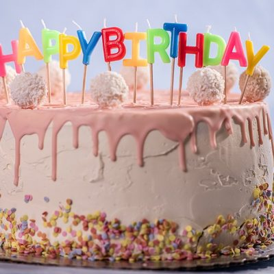 Custom cakes to Pune